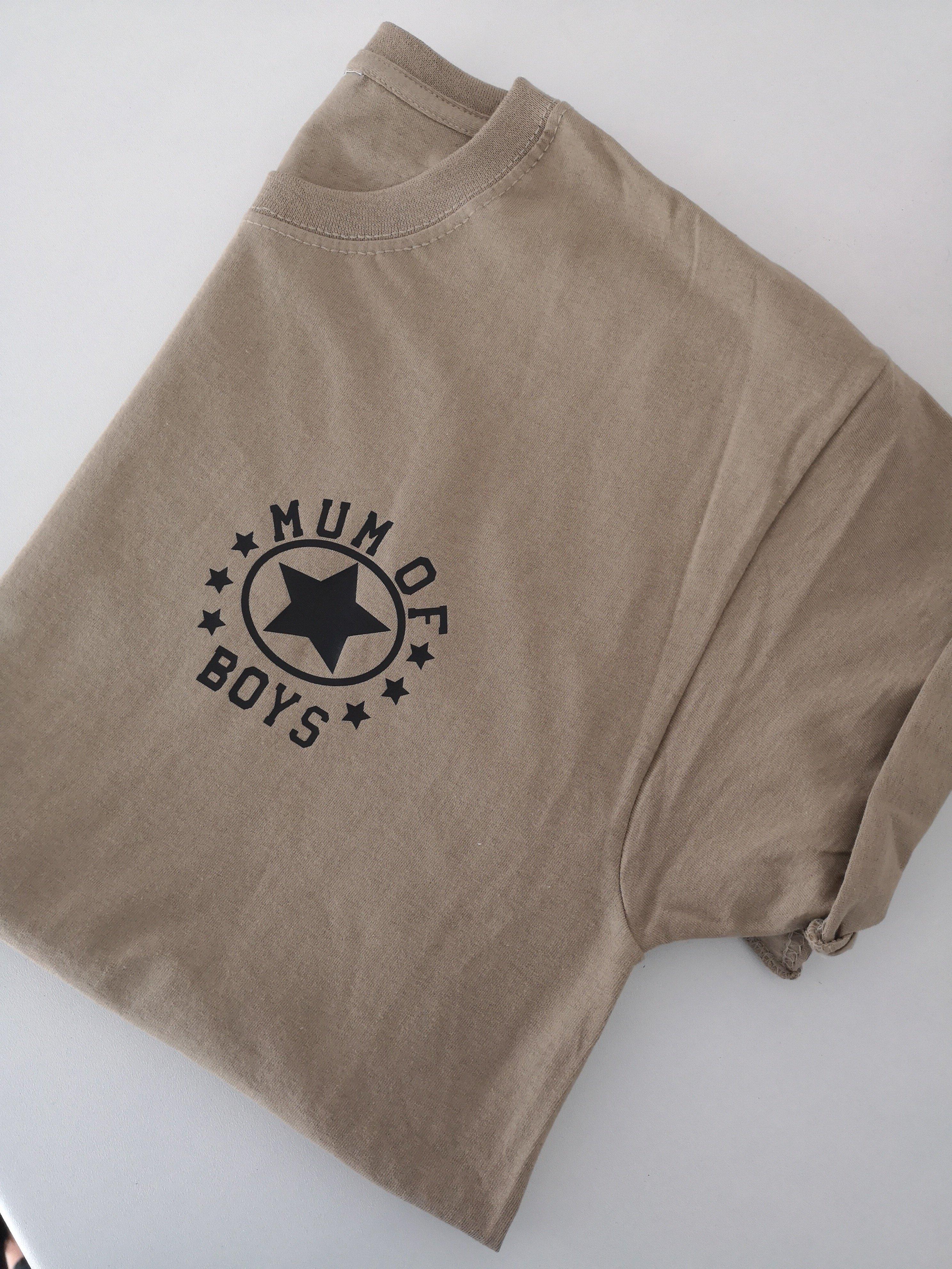 Mum of boys logo tshirt